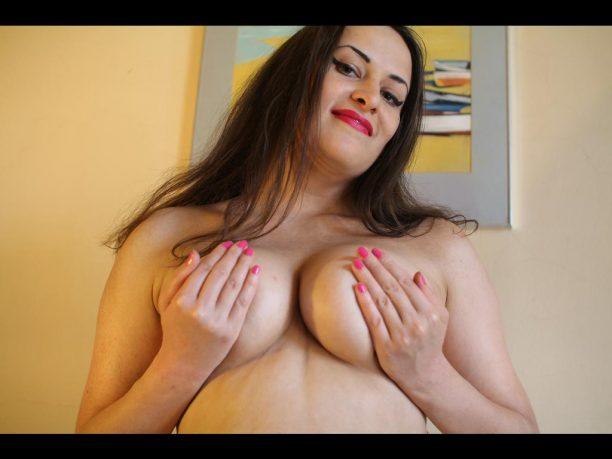 versaute Sexcamnutten mit dicken Titten